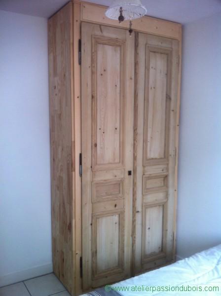 vieille armoire en bois id e int ressante pour la conception de meubles en bois qui inspire. Black Bedroom Furniture Sets. Home Design Ideas