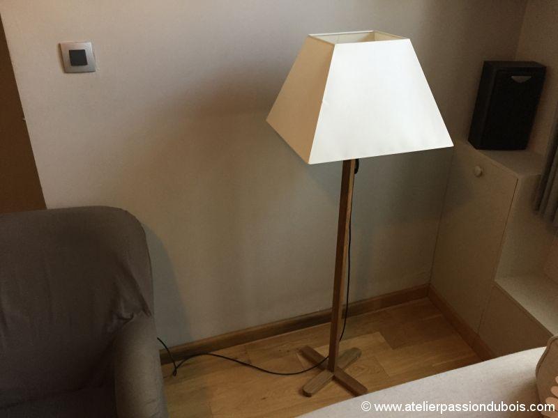 lampadaire en teck