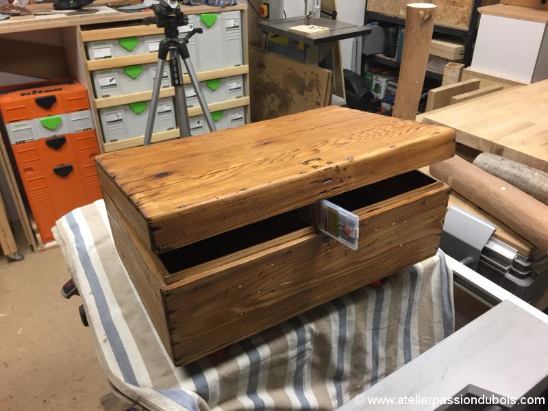 restauration d 39 une vieille caisse en bois atelier passion du bois. Black Bedroom Furniture Sets. Home Design Ideas