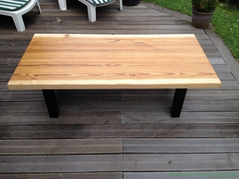 table basse materiaux anciens