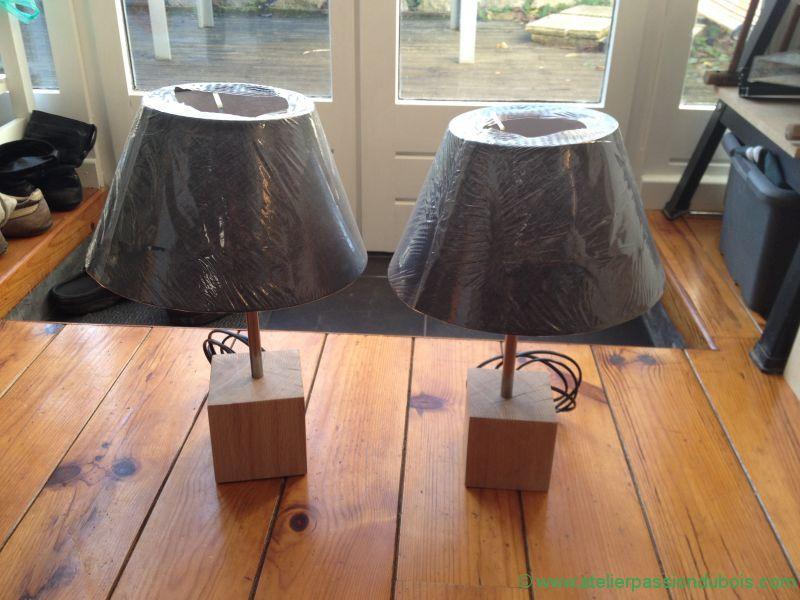 Fabriquer une lampe de chevet en bois maison design - Fabriquer table de chevet ...
