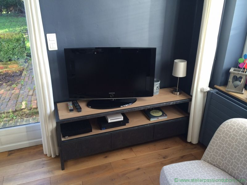 meuble tv bois metal atelier passion du bois. Black Bedroom Furniture Sets. Home Design Ideas